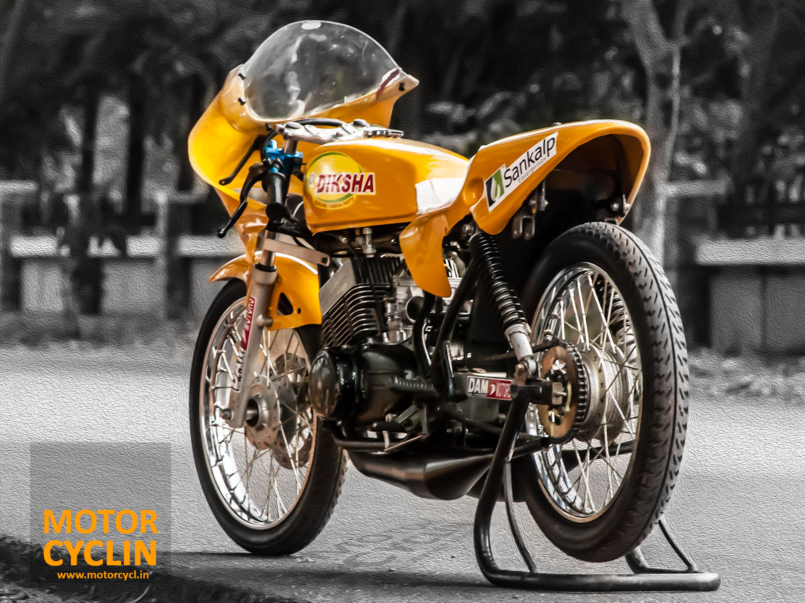 Yamaha RD 350 drag bike