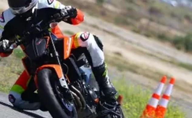2019 KTM 790 Duke track action shot