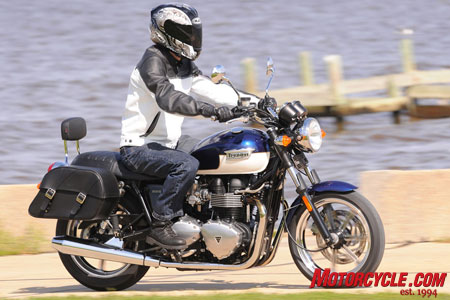 Lots of accessories are available for the Bonnevilles, like the leather saddlebags and seat back seen here on the SE model.