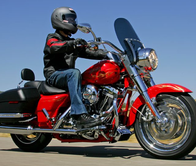 Md First Ride 2007 Harley Davidson Cvo Models Part Two Motorcycledaily Com Motorcycle News Editorials Product Reviews And Bike Reviews