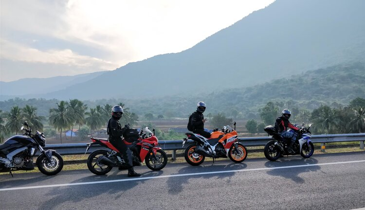 bikers-mountains-motorcycle-touring-hydration