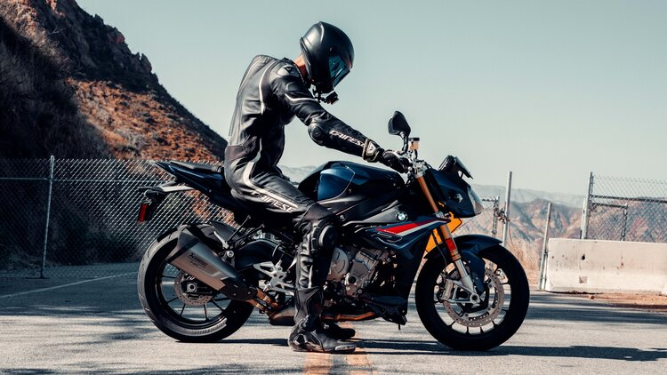 bmw rider in leathers