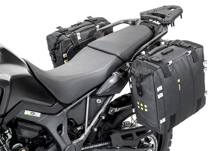 bmw-bumot-soft-luggage