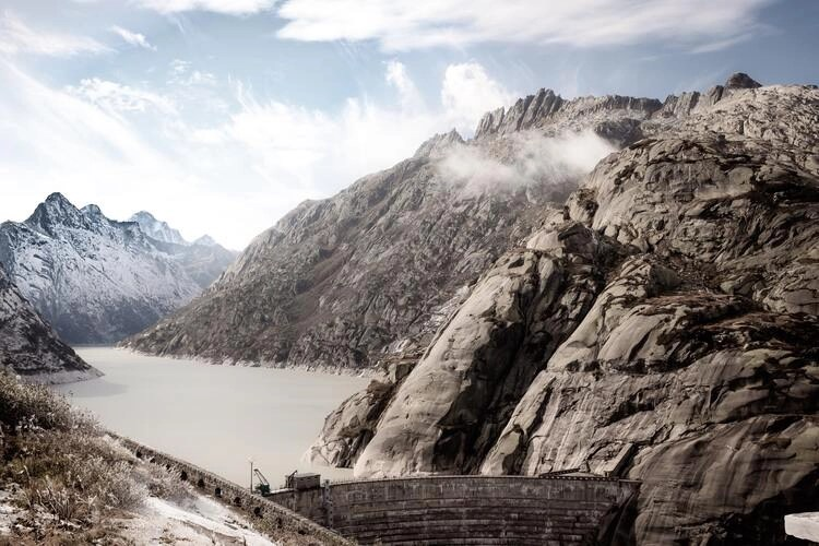 gelmersee - riding grimsel pass
