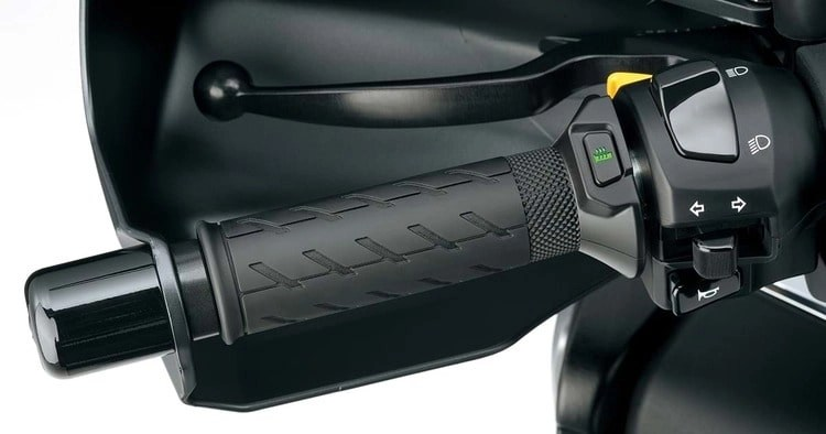 suzuki-heated-grips heated grips for motorcycle touring