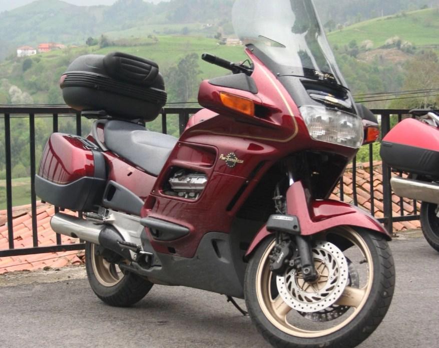 best touring motorcycle - honda pan european