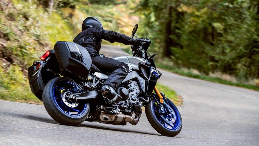 yamaha tracer 9 gt - touring motorbikes