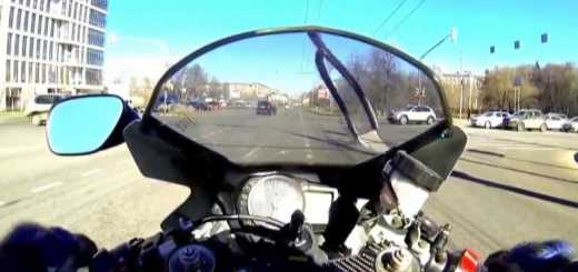 motociclista se da mal no transito