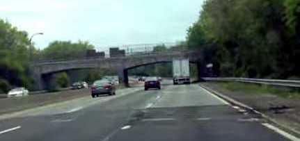 camiao nao passa debaixo da ponte