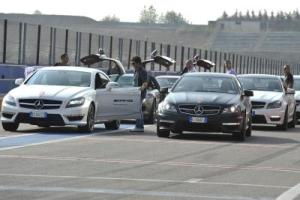 865659_1615012_400_267_Mercedes-AMG_Driving_Academy_(4)