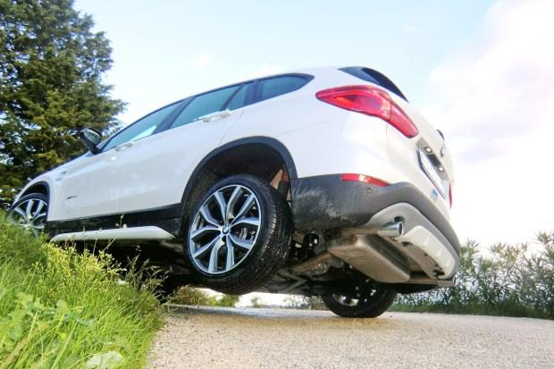 28_BMW X1