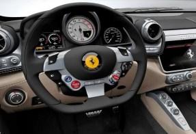 F10 Ferrari_GTC4Luss.