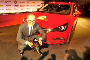 00_APERTURA Opel Astra Car of the Year
