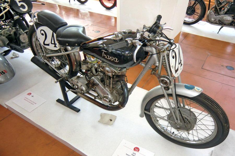 37_trava-275_moto-100-anni-di-storia