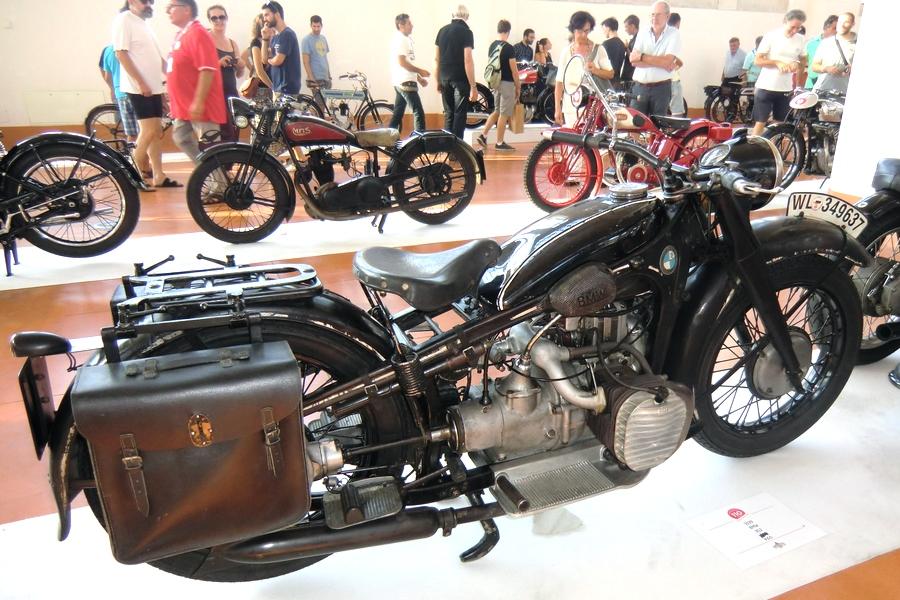 38_bmw-r12_moto-100-anni-di-storia