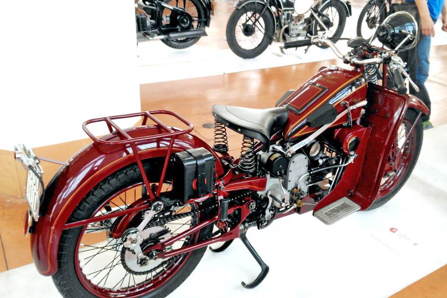 40_moto-guzzi-gtv-500_moto-100-anni-di-storia