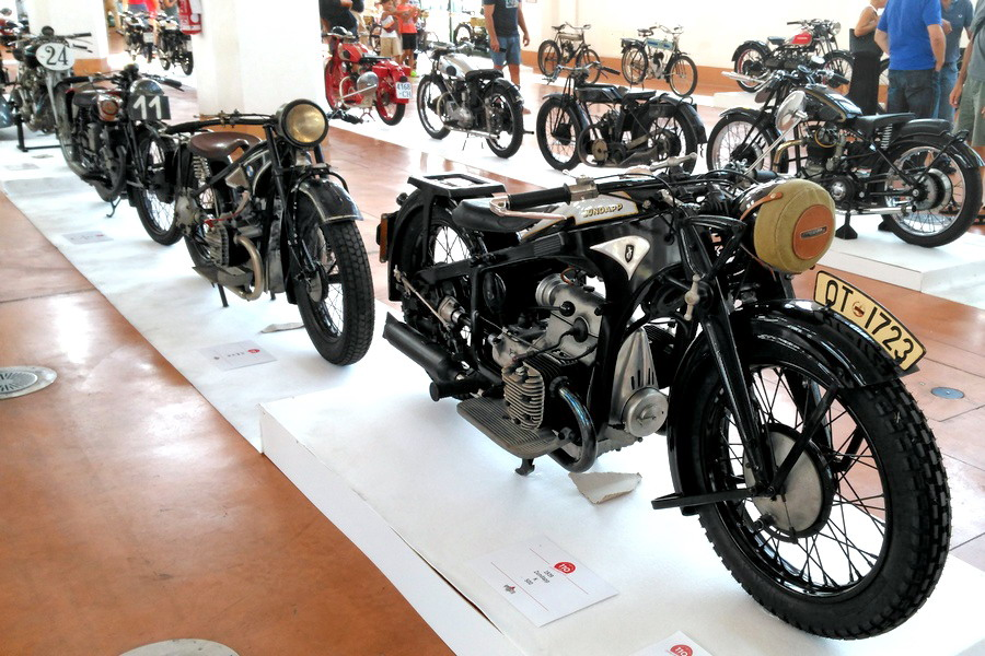 49_zundapp-k500_moto-100-anni-di-storia