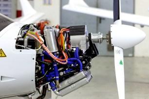 Fliegen mit Siemens Integrated Drive System / Flying with Siemens Integrated Drive System