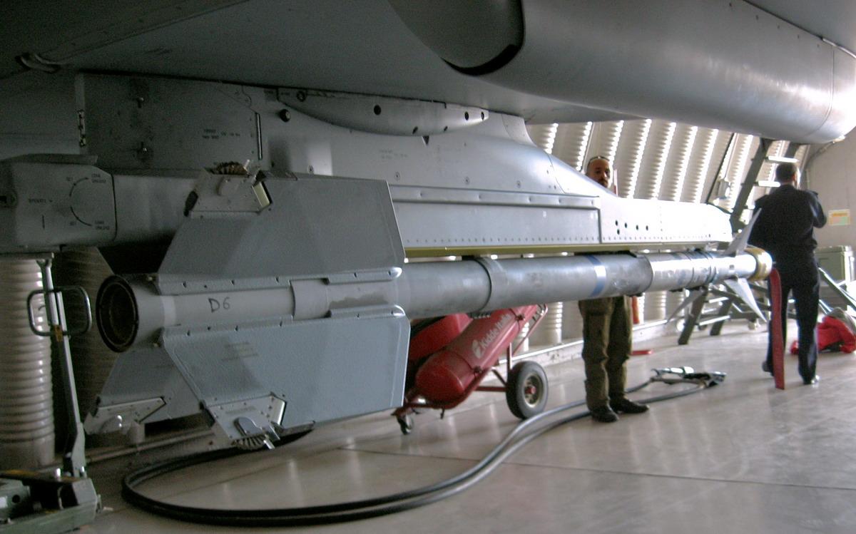 Motori360_Eurofighter-Typhoon-13 L'Eurofighter Typhoon a quota 500
