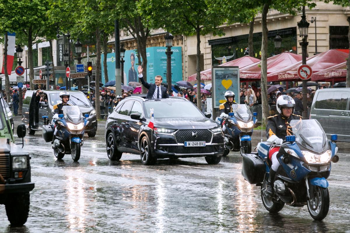 Motori360_DS7crossback-Macron-4 Una DS presidenziale... Macron, nuovo Presidente della Repubblica francese sceglie la DS 7 Crossback