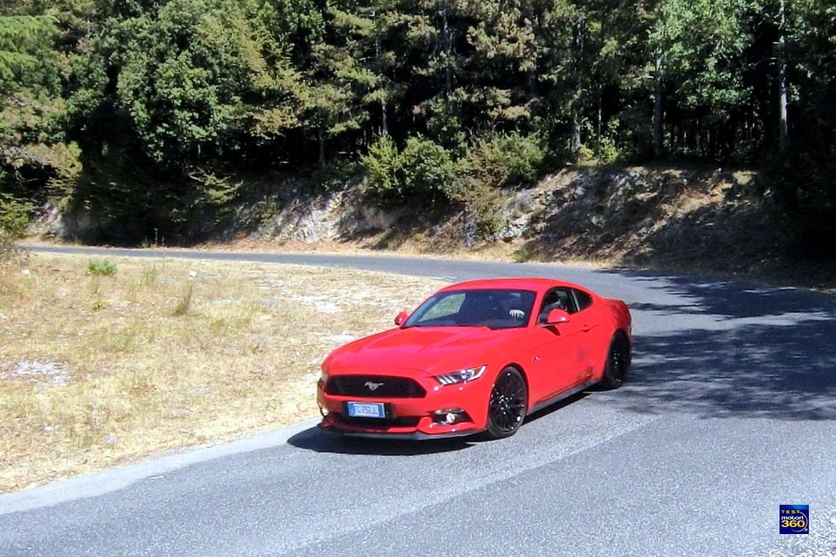 Motori360.it-ant.FordMustang-C