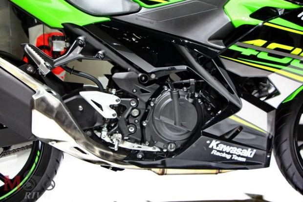 Motori360-F14 KawNinja 400 11017