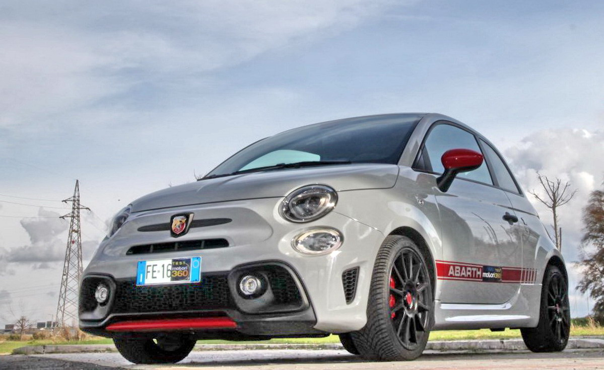 abarth 595 competizione sportiva vera. Black Bedroom Furniture Sets. Home Design Ideas