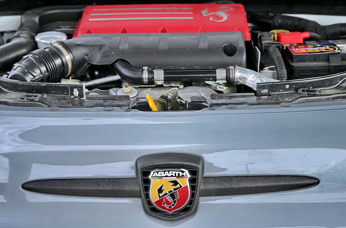 Motori360_Abarth-595-Competizione-5b
