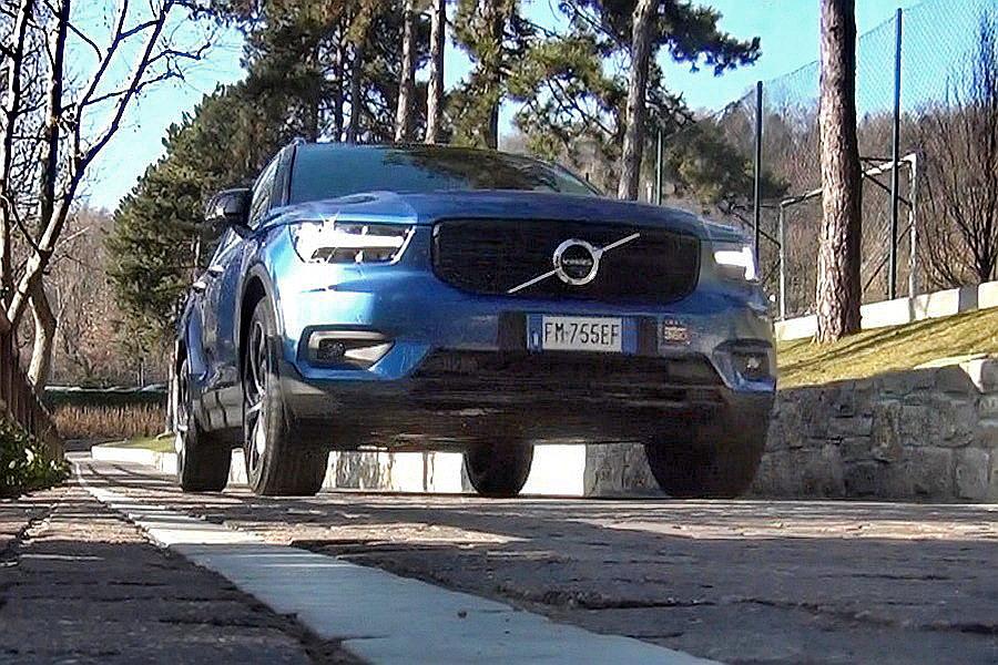 Motori360-Volvo-XC40-Primo-Contatto-17