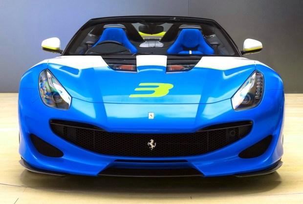 Motori360_Ferrari-SP3JC-int