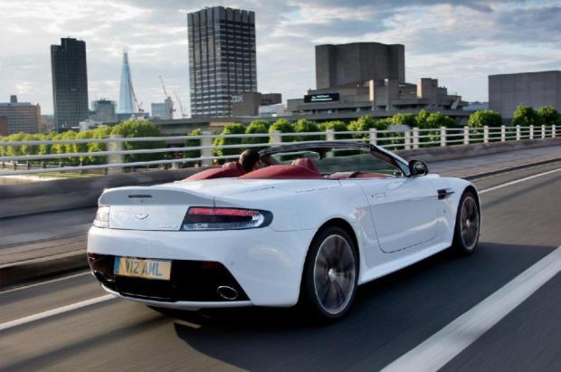 aston-martin-v12-roadster-3