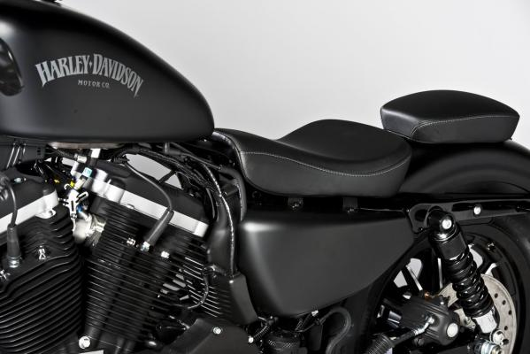 harley-davidson-2013-sportster-iron-883-special-edition-3