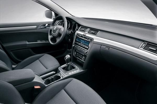 nuova-skoda-superb-interni-interior-1