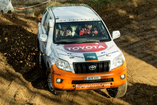 toyota-land-cruiser-paris-dakar-2