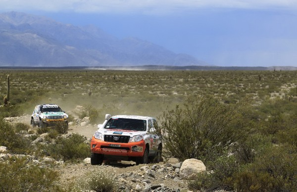 toyota-land-cruiser-paris-dakar-3
