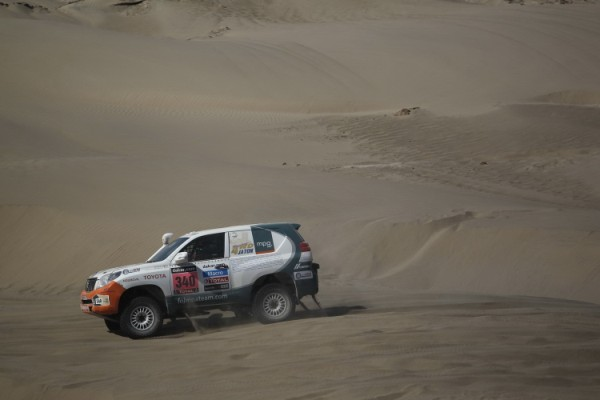 toyota-land-cruiser-paris-dakar-5