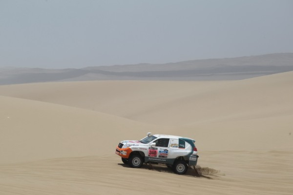 toyota-land-cruiser-paris-dakar-7