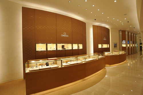 Brand Boutiques versus Authorized Dealers