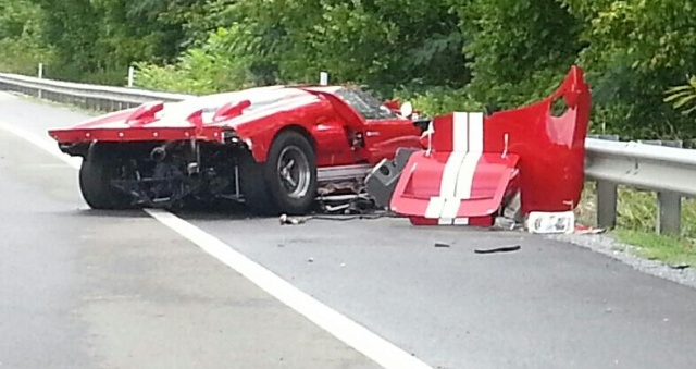 Ford GT Mk II Replica Crash