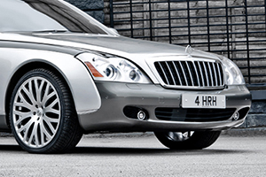 A Kahn Design Celebrates the Queen's 60th Coronation with a Maybach