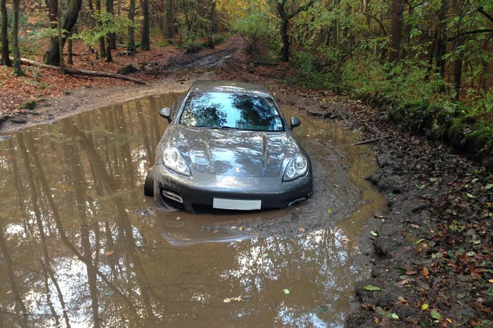 Andre Wisdom Porsche Mud