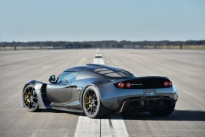 Hennessey Venom GT Top Speed Run