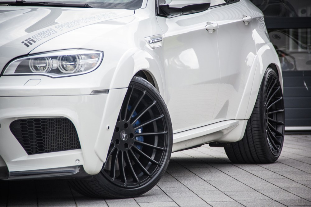 Inside Performance BMW X6 M White Shark