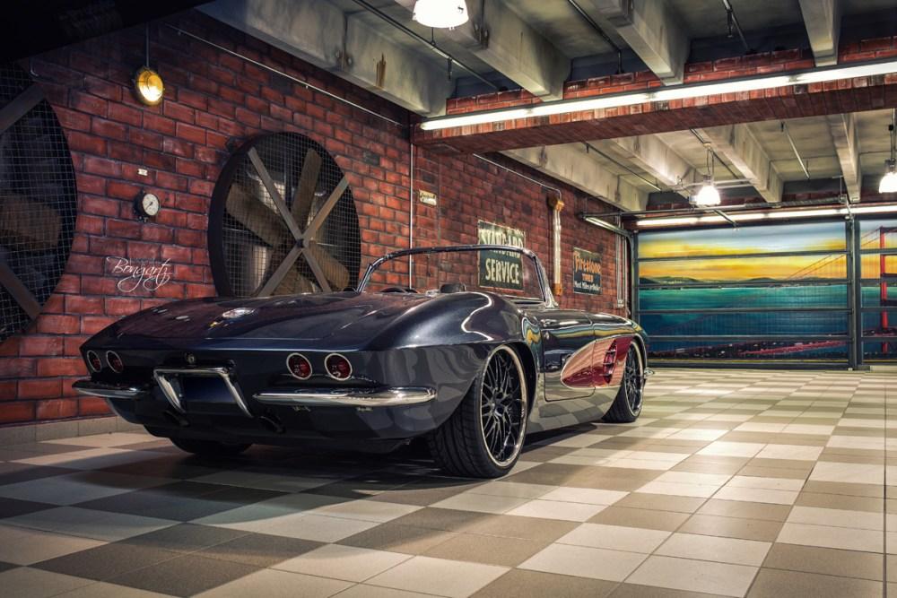 WheelsandMore 1961 C1 Chevy Corvette