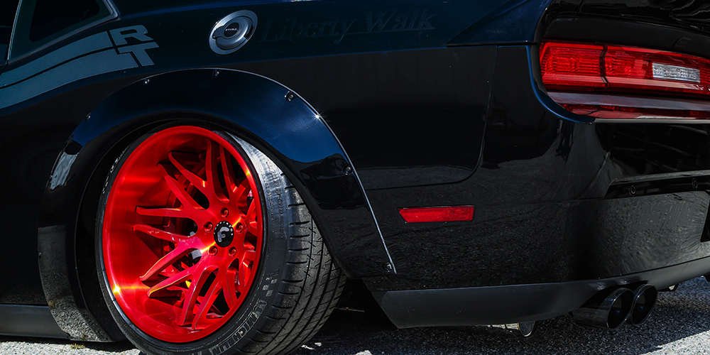 Liberty-Walk-Dodge-Challenger-Forgiato-Kato-1-ECL-3-Wheels