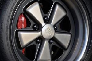 Singer Porsche 911 Carrera 2 Virginia  (42)
