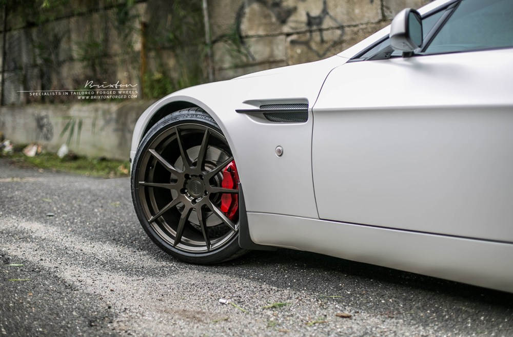 Aston Martin V8 Vantage Brixton Forged R10 Mono Series Forged Wheels