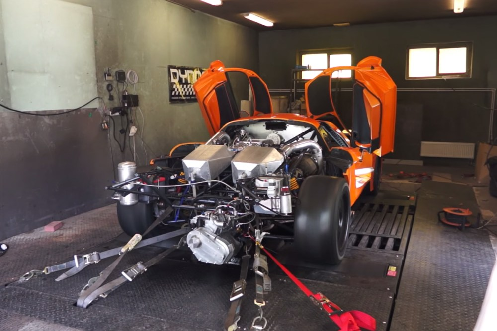 Saleen S7 Twin Turbo Dyno