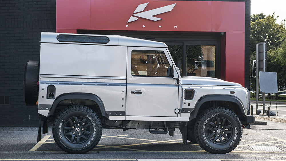 Land Rover Defender 2.2 TDCI 90 Hard Top Chelsea Wide Track