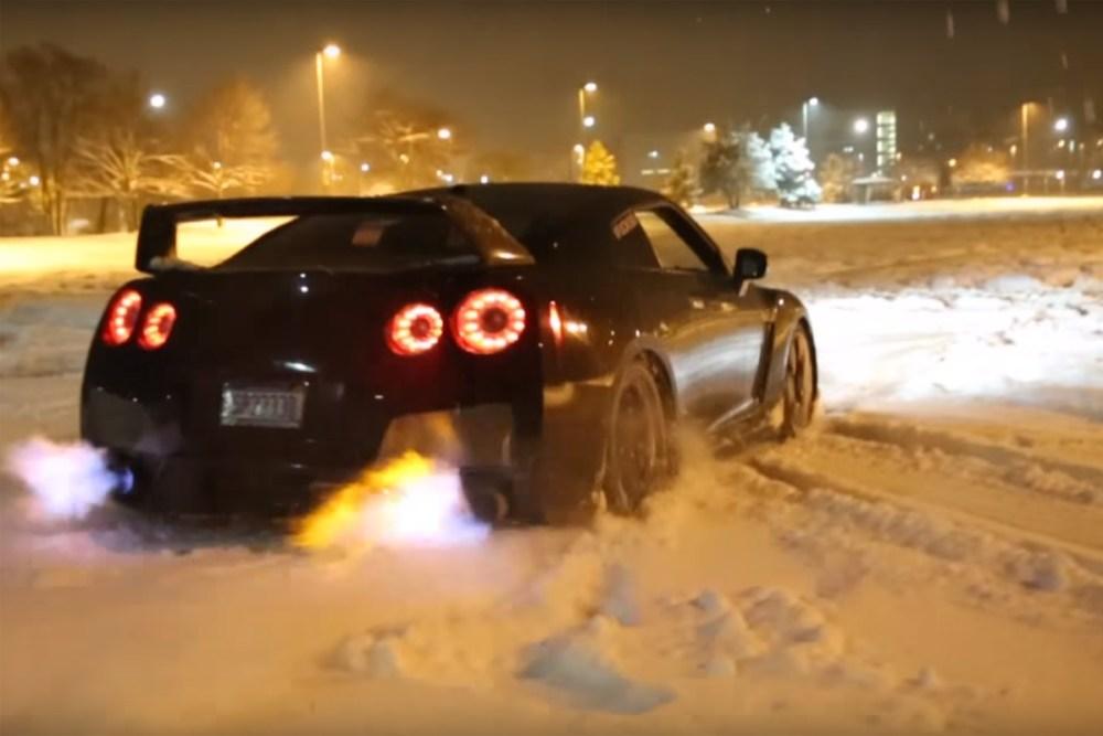 Flamethrower GT-R Snow